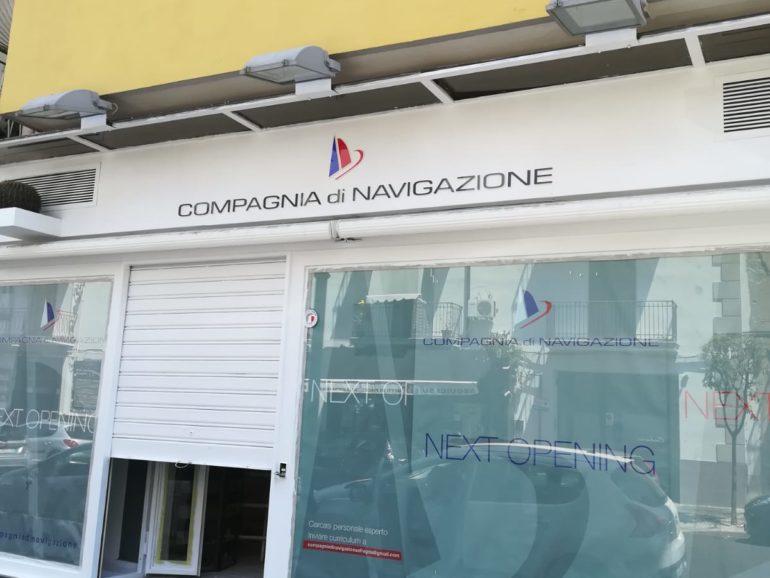 Compagnia di Navigazione – Insegne sagomate