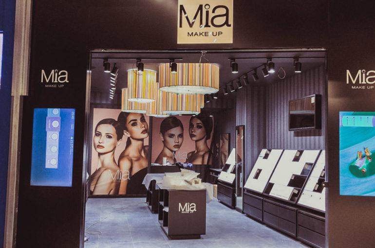 Allestimento punto vendita MIA Cosmetics (CC La Birreria)